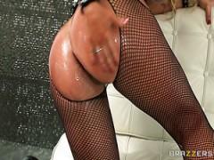 Guarda MAMMA MILF SCOPA DURO POV su il miglior sito di porno hardcore.
