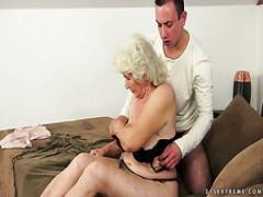 asiatico breve gonna porno